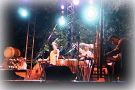 Les Voyageurs (création 2001-2002) - Bamboo Orchestra